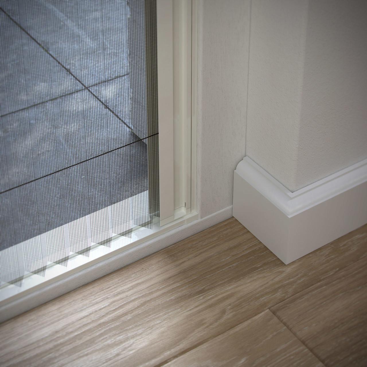 plisse hordeur voor schuifpui deuren bruynzeel s700. Black Bedroom Furniture Sets. Home Design Ideas